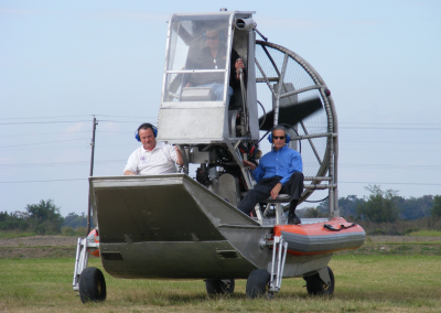 AIRBOAT FROM WATER TO LAND